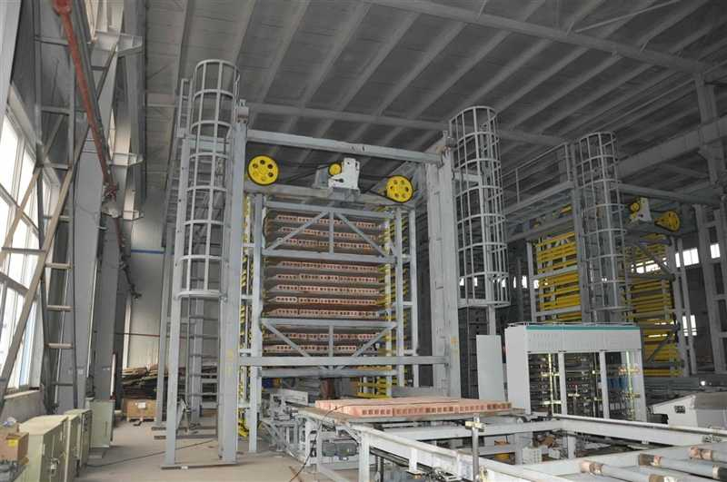 Racking loading and unloading system